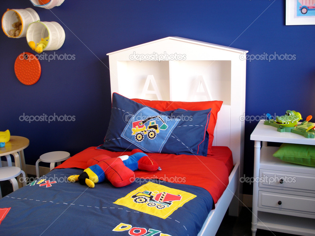Modern bedroom for a little boy — Stok fotoğraf #6508977