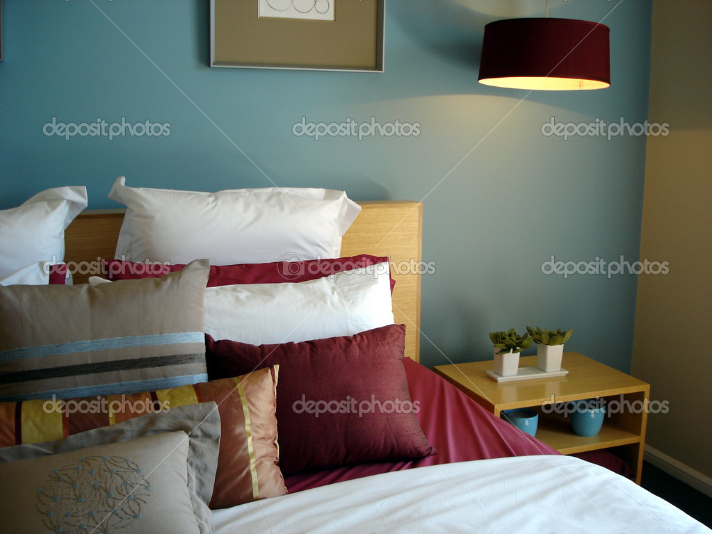 Modern bedroom in blue tones — Stock Photo #6509106