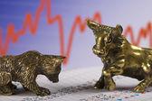 Bull and bear in stock market — Stock Photo