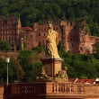 Statue of Minerva on the Old Bridge and castle in Heidelberg, Ge — Stock Photo