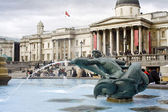 Fountain near National Gallery in London — Stock Photo