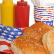 Foto Stock: 4th of July picnic table setting