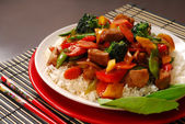 Plate of pork stir fry with vegetables — Stock Photo