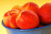 Fresh Georgia peaches — Stock Photo