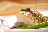 Cod fillet with green beans — Stock Photo