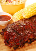 BBQ Ribs with corn on the cob — Stock Photo