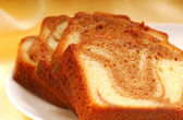 Slices of pound cake — Stock Photo