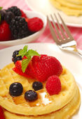 Waffles with fresh fruit — Stock Photo