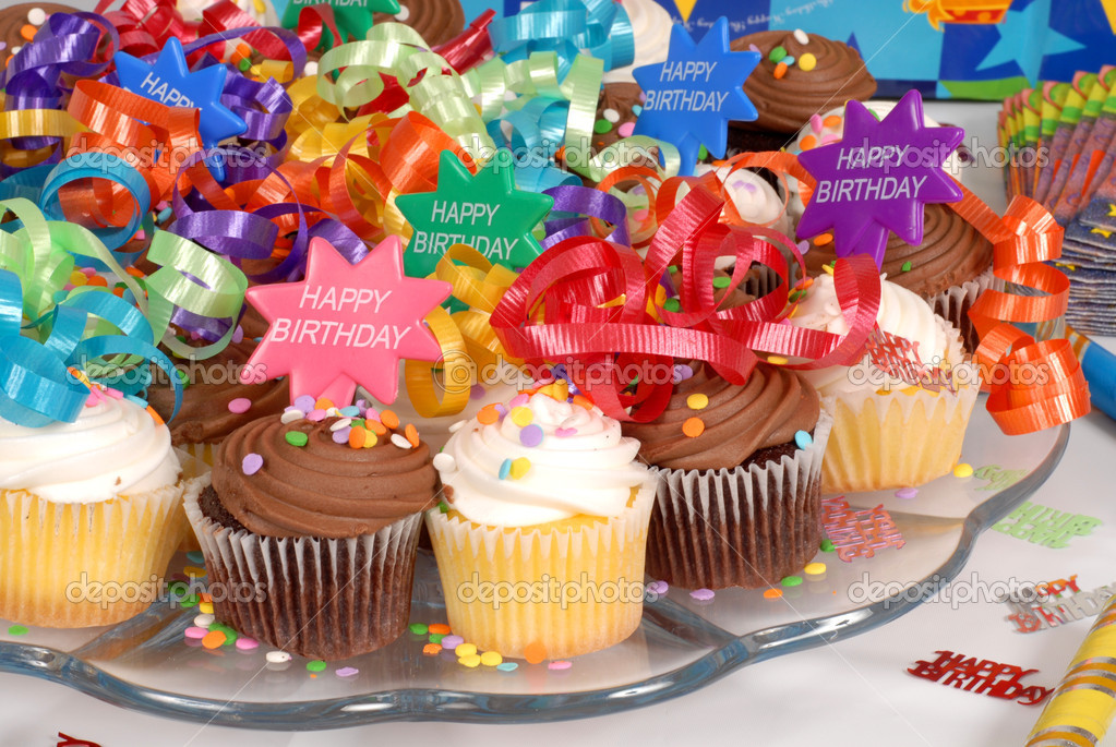 Closeup of a platter of delicious cupcakes decorated with Happy Birthday theme — Stock Photo #5978770