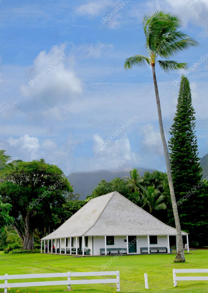 Authentic Polynesian meeting place on the island of Kauai Hawaii — Stock Photo #5979073