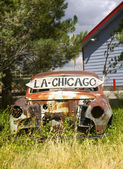 Abandoned car along US Route 66 — Stock Photo