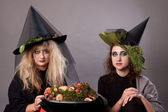 Women make up as witches for Halloween — Stock Photo