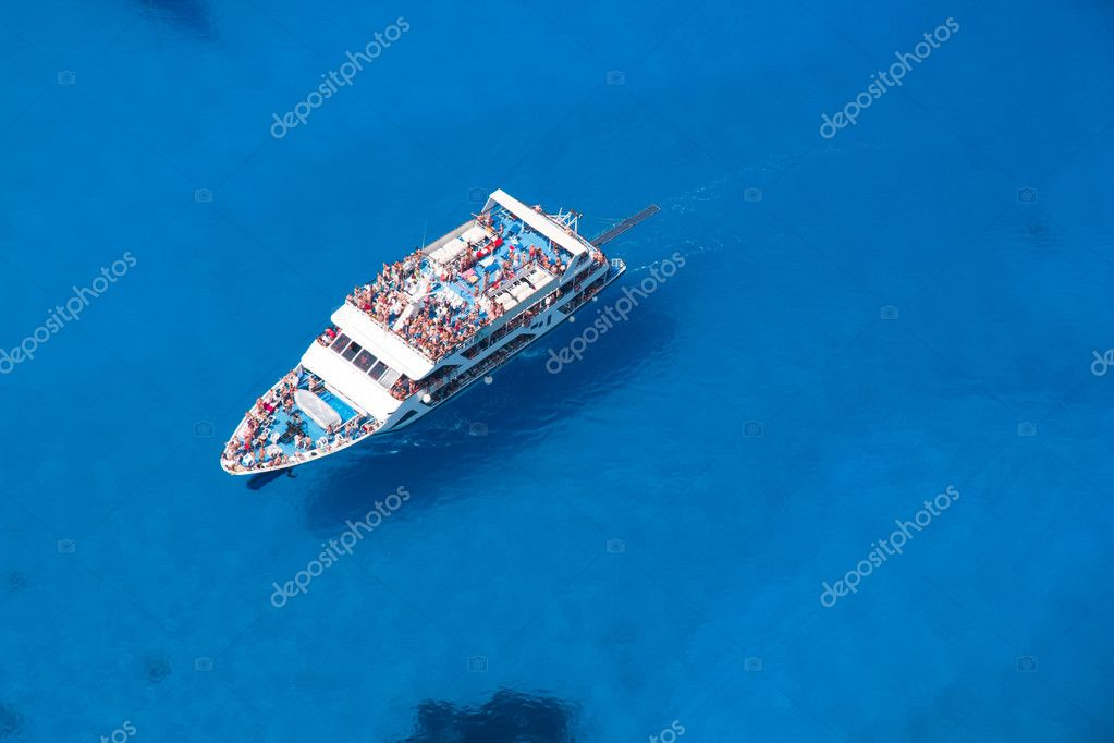 Top view of Big cruiser sailing — Stock Photo #6744527