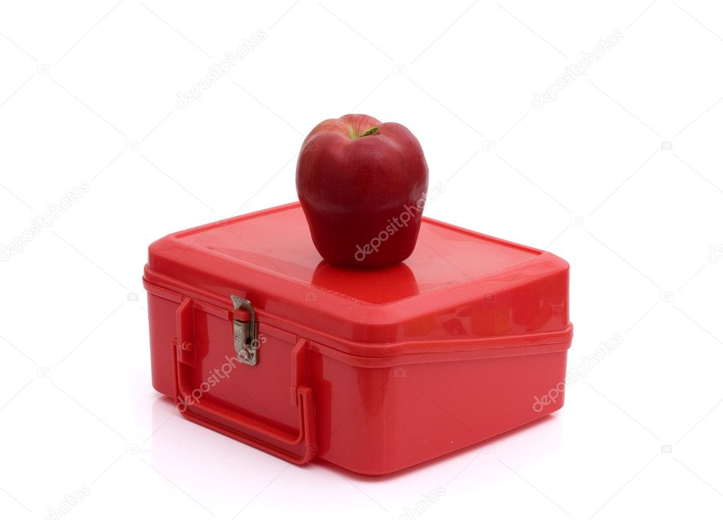 A red lunchbox with an apple isolated on white, Healthy School Lunch — Lizenzfreies Foto #6011758