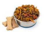 Un plato de comida para perros — Foto de Stock