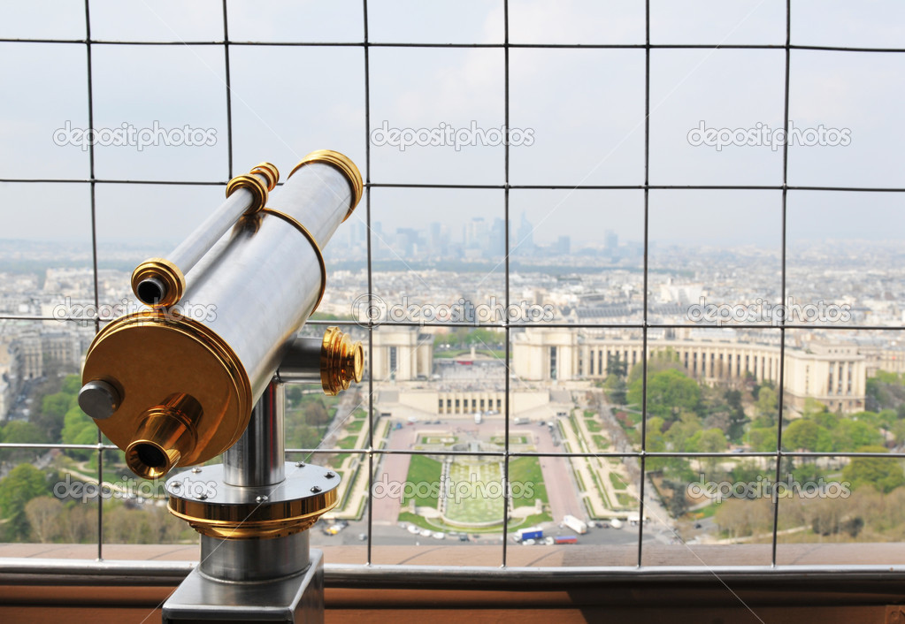 Tourist binoculars in Eiffel Tower in Paris — Stock Photo #6639400