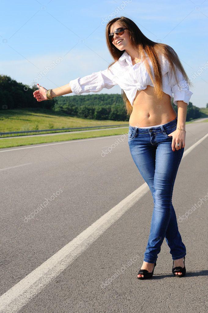 Фото красивых фигур девушек в джинсах