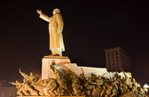 Mao Statue Long Side View With Heroes Zhongshan Square, Shenyang — Stock Photo