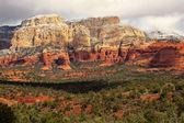 Boynton rot weißen rock canyon schnee wolken sedona arizona — Stockfoto