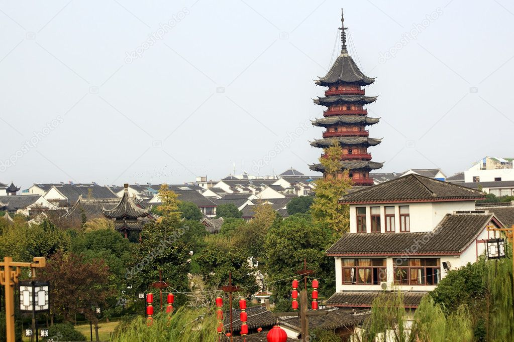 Ancient Chinese Ruigang Pagoda Dates Back to Song Dynasty Red Lanterns Suzhou Style Buildings Apartments Suzhou China — Stock Photo #6078342