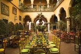 Mexican Courtyard Restaurant with Statue Queretaro Mexico — Stock Photo