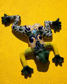 Mexican Ceramic Frog Yellow Wall Mexico — Stock Photo