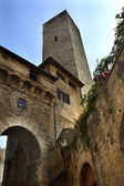 Stone Arch de Becci de Cuganesi Tower Via San Giovani Sam Gimign — Stock Photo