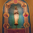 Foto de Stock  : Mary Statue Shrine of Immaculate Conception Insides Washington D