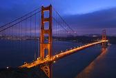 Golden Gate Bridge Sunset Pink Skies Evening with Lights of San — Stock Photo