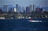 Bellevue Skyline from Lake Washington Speedboat Snow Capped Moun — Stock Photo