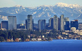 Bellevue Lake Snowy Cascade Mountains Washington State — Stock Photo