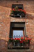 Red Geraniums Brick Windows Leavenworth Washington — Stock Photo
