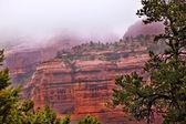 博因顿比红色的岩石峡谷雨云亚利桑那州塞多纳 — 图库照片