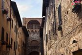 Arch Narrow Street Via San Giovanni San Gimignano Tuscany Italy — Stock Photo