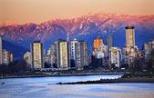 Vancouver Skyline Harbor English Bay Snow Mountains Sunset Briti — Stock Photo