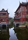 Vecchia shanghai cina di riflessioni giardino yuyuan builings — Foto Stock