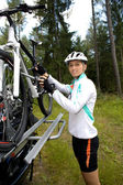 Ciclismo mujer — Foto de Stock