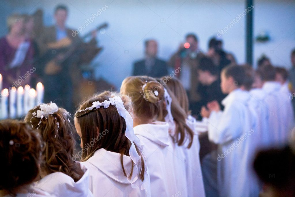 Communion ceremony in the church — Stock Photo #6100429