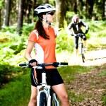 Bisiklete binme kadın — Stok fotoğraf #6170412