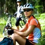 Bisiklete binme kadın — Stok fotoğraf #6170436