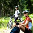 Bisiklete binme kadın — Stok fotoğraf #6170445