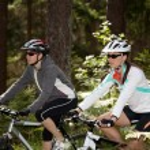 bisikleti kadınlar — Stok fotoğraf #6170452