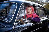 Ragazza e auto — Foto Stock