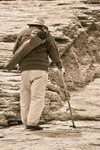 Old man walking — Stock Photo