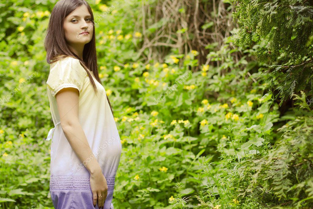 фото молодые беременные девушки