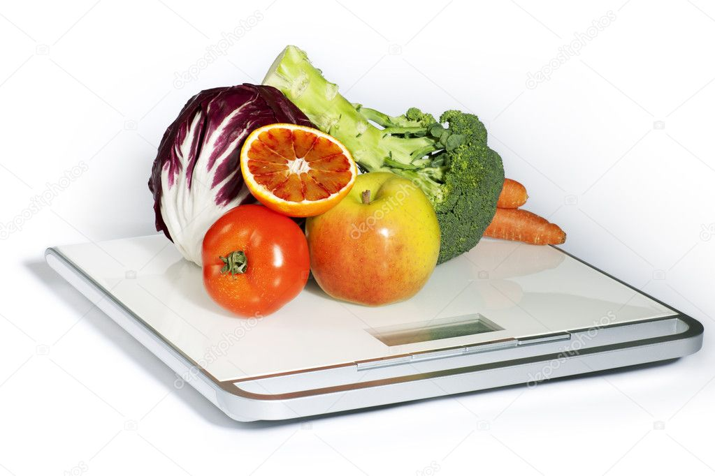 Fruits and vegetables on the scale — Stock Photo #6042314