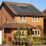 paneles solares en casa — Foto de Stock