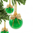 Green Christmas baubles — 图库照片