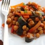 Salad chick pea with eggplant — Stock Photo
