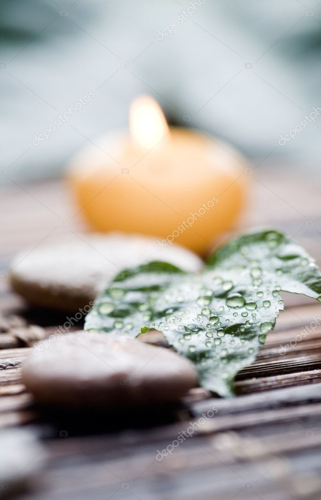 Close up of yellow candles with shallow focus — Stock Photo #6109821